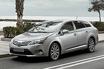 toyota avensis private car